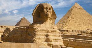 Piramidy w Gizie i Sfinks